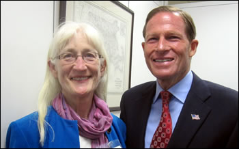 Suzanne O'Connell discusses geoscience research with Senator Blumenthal (D-CT).