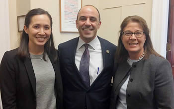 Wendy Kordesch and GSA President-elect Isabel Montanez discuss climate change with Rep. Jimmy Panetta.